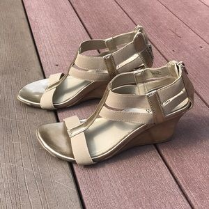 Kenneth Cole Wedge